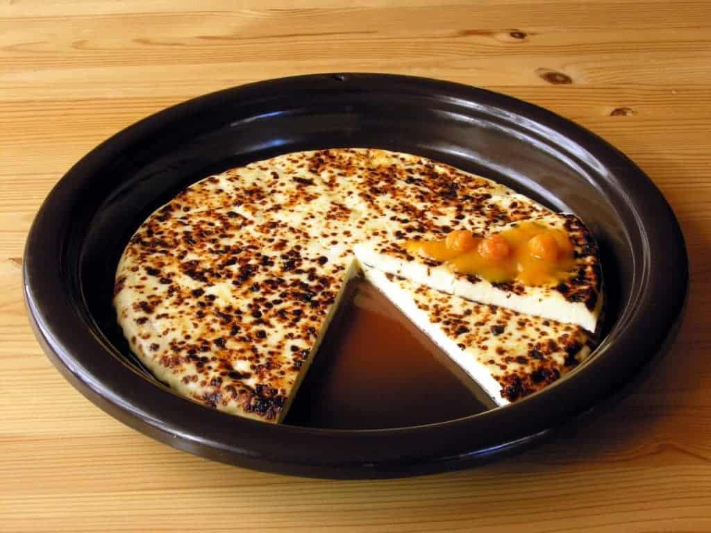 Leipäjuusto Cheese with cloudberry jam